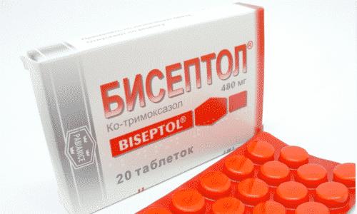 В домашней аптечке у многих людей найдется бисептол. Этот препарат поможет женщине, когда требуется быстрое лечение цистита