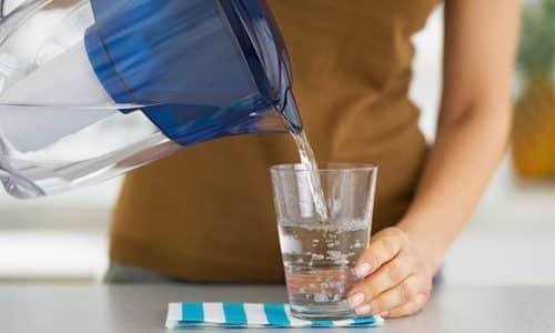 Необходимо исключить вероятность застоя мочи, поэтому при таком заболевании употребляют много жидкости - не менее 2 л в сутки