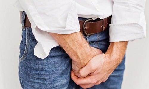 В большинстве случаев жжение при мочеиспускании у мужчин возникает из-за попадания инфекции в мочеполовую систему