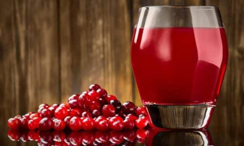 Эффективное средство - 3 ст. л. сока, отжатого из ягод клюквы, разбавить ½ стакана воды, подсластить 1 ч. л. меда