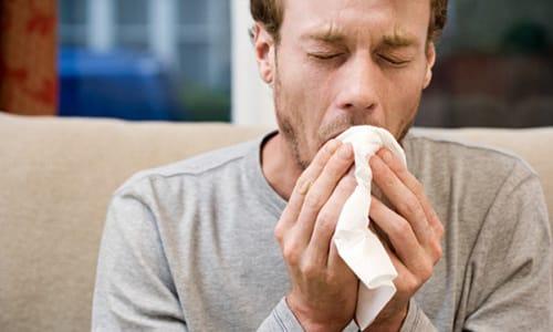 Обострение хронической формы может спровоцировать даже простуда