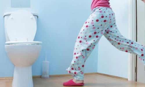 Перед сексом следует опорожнить мочевой пузырь: это поможет уменьшить давление на его стенки и снизить неприятные ощущения во время близости