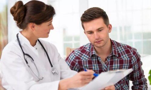 Обратиться к врачу необходимо при изменении цвета урины и ее объема, учащении и болезненности мочеиспускания, недержании и появлении в моче крови