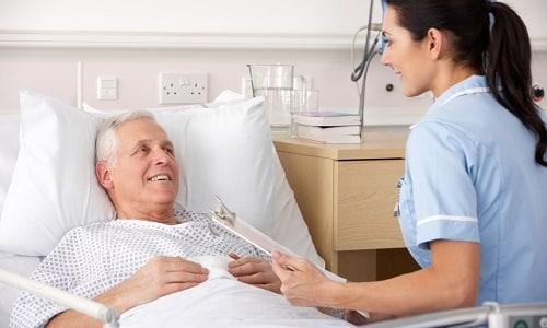 Если у пациента развилась закупорка просвета уретры, то первая помощь и последующее лечение проводится только в условиях стационара