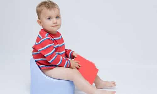 Гематурия у ребенка появляется из-за воспаления мочевого пузыря, но может свидетельствовать о развитии острого воспалительного поражения почек